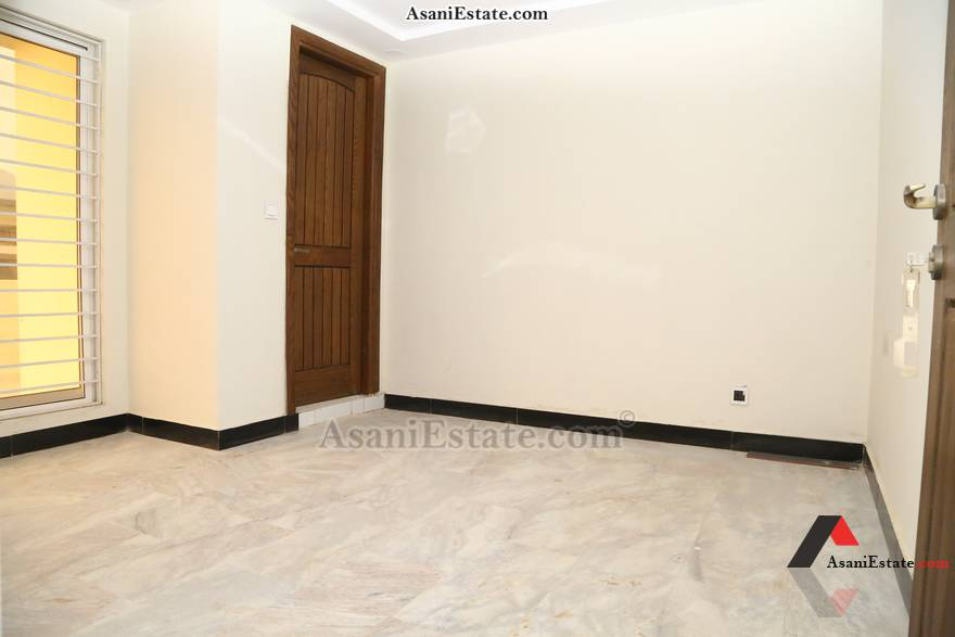 Mumty Extra Rooom 30x60 feet 8 Marla house for rent Islamabad sector E 11