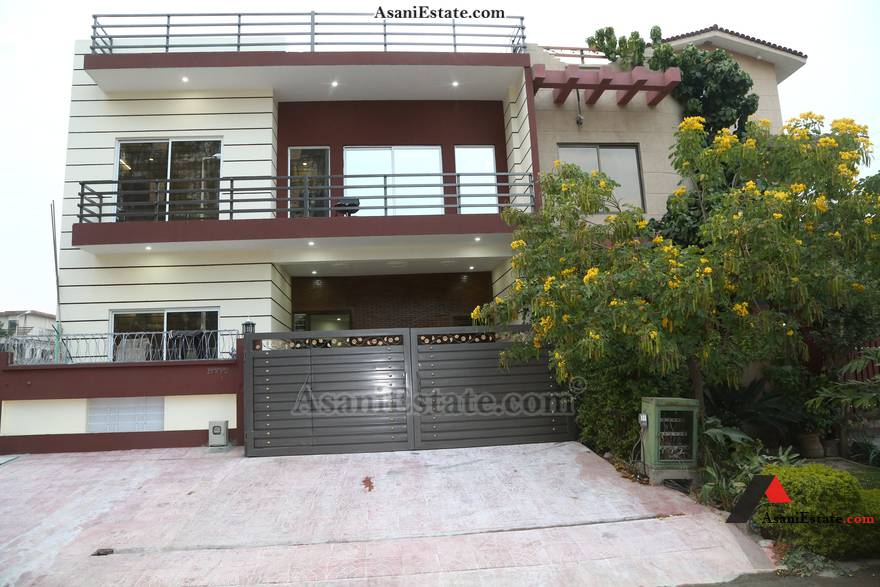 Outside View 30x60 feet 8 Marla house for rent Islamabad sector E 11