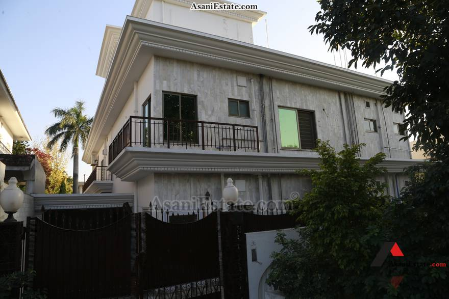 Outside View 500 sq yards 1 Kanal portion for rent Islamabad sector F 10