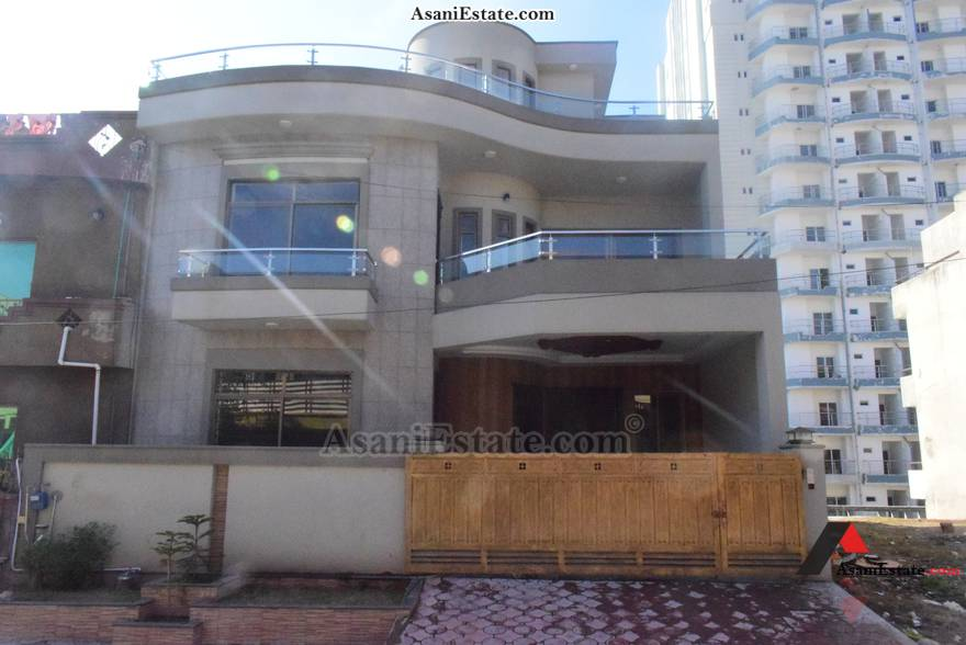 Outside View 35x70 feet 11 Marla house for sale Islamabad sector E 11
