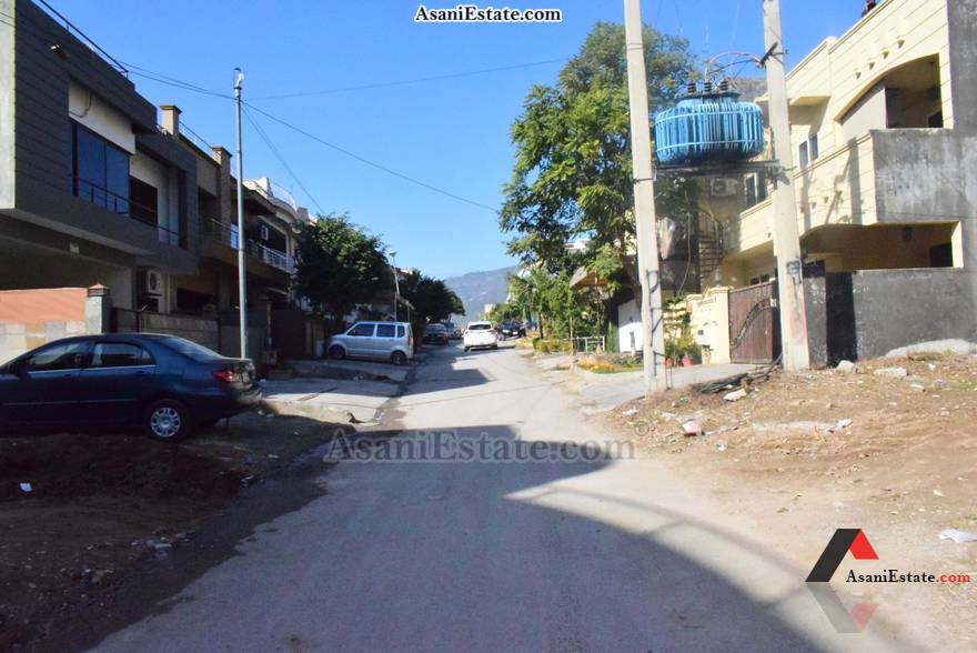 Street View 35x70 feet 11 Marla house for sale Islamabad sector E 11